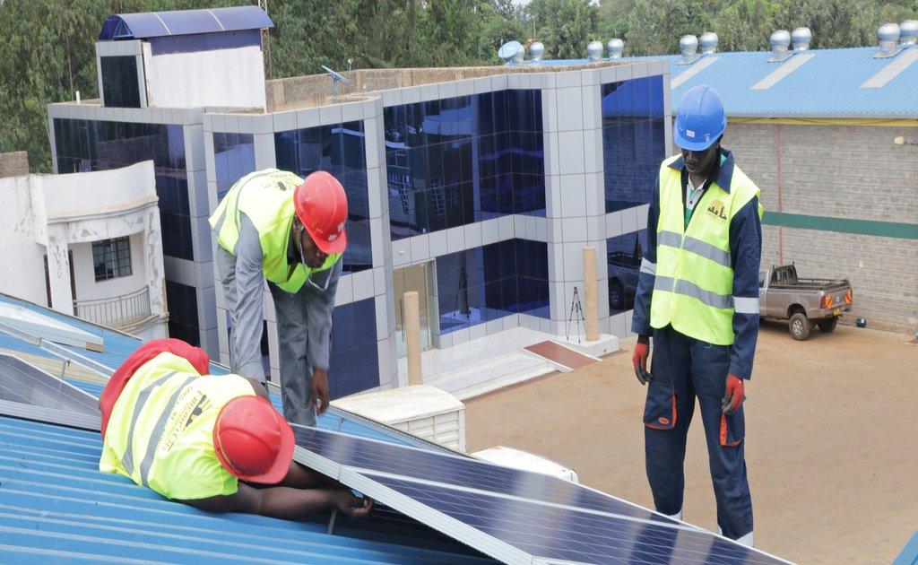 Solar power system technicians